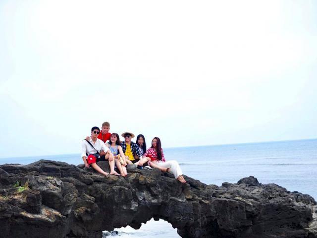 Hòn đảo thiên đường Lý Sơn đẹp mê hồn trong bộ ảnh nghỉ lễ của nhóm bạn trẻ