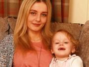 Gặp tình trạng nghén nặng như công nương Kate, bà mẹ mạo hiểm tính mạng để giữ con
