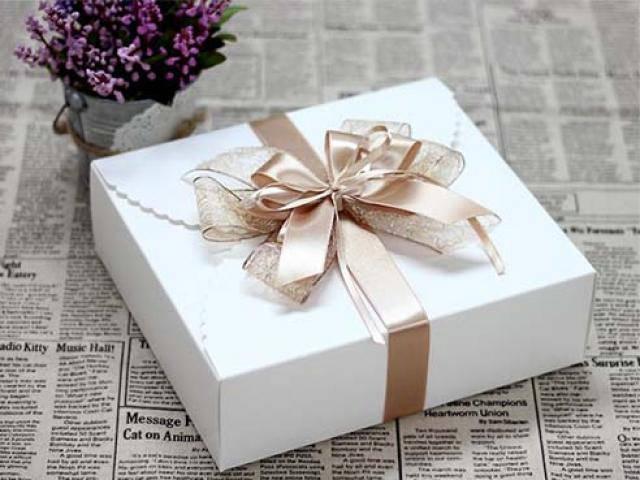 Món quà cưới chưa từng mở suốt 9 năm và bài học thấm thía về hôn nhân