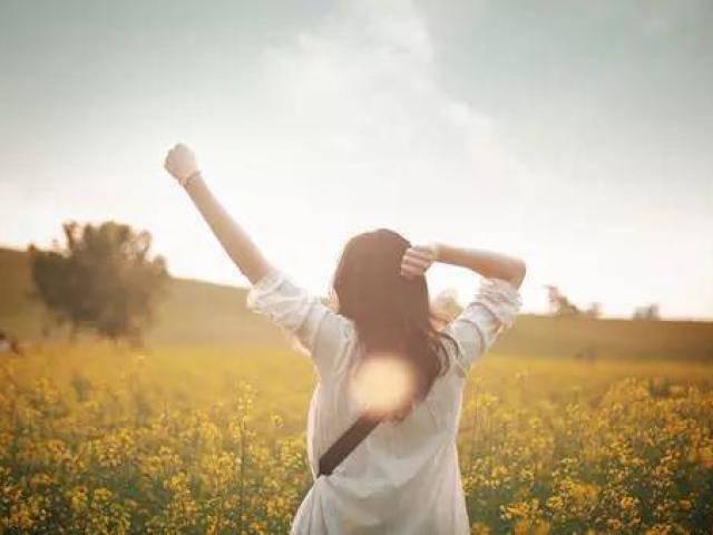Phụ nữ được yêu là niềm vui, tự yêu bản thân là hạnh phúc