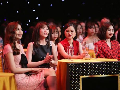 Hari Won và hội chị em lắc đầu ngao ngán với những quý ông sòng phẳng tiền bạc