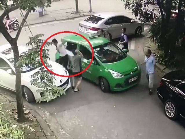 Cậy gần nhà, tài xế Mercedes đỗ chắn lối đi, đánh vỡ đầu lái xe taxi khi bị nhắc nhở
