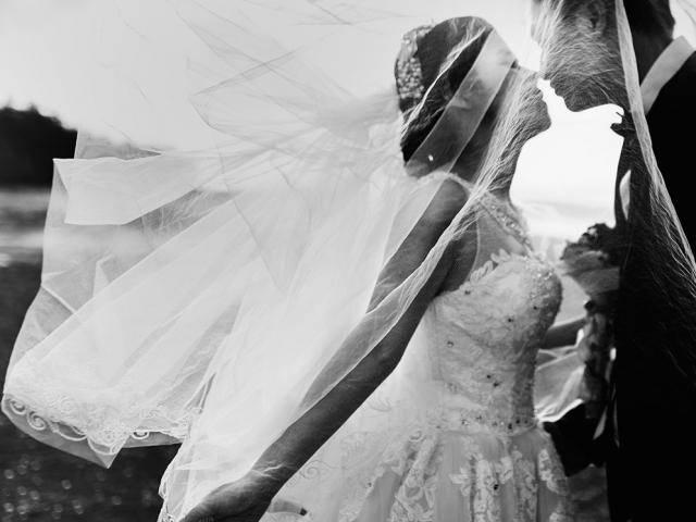 Tình yêu không phải là tất cả để đồng hành với nhau đến hết đời
