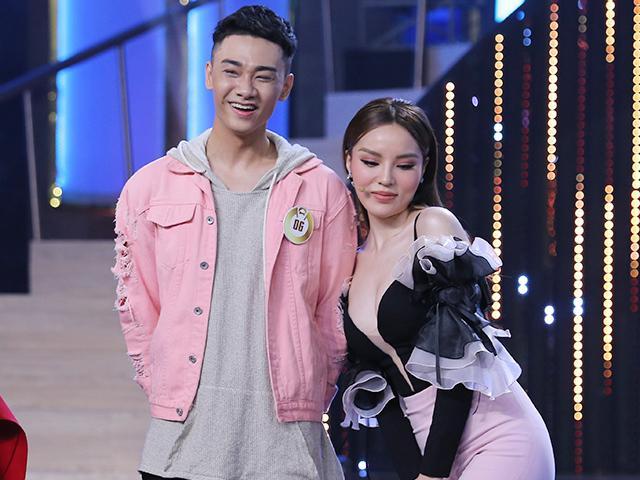 Clip: Hoa hậu Kỳ Duyên thảo mai và thả thính trai đẹp không kém gì chị Nguyệt!