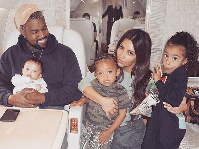 Không ngờ Kim Kardashian siêu vòng 3 cũng có ngày suýt phát điên khi 3 đứa con cùng khóc
