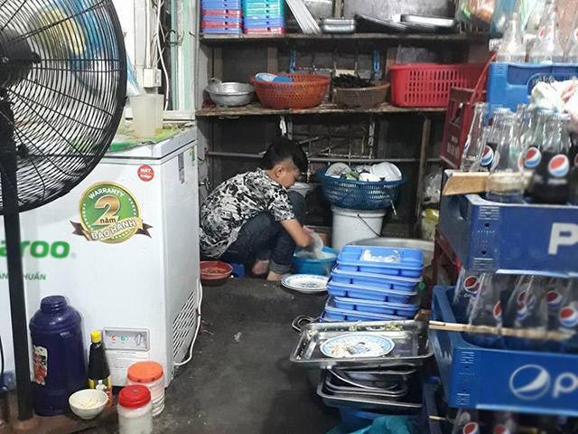 Chuyện cậu bé Nghệ An lên Hà Nội rửa bát kiếm tiền khiến cha mẹ nhìn lại cách dạy con
