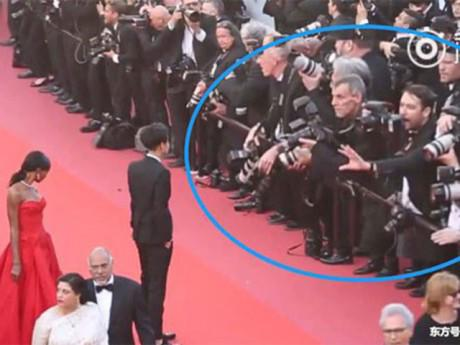 """Ngôi sao 24/7: Hoàng Tử Thao bẽ bàng vì bị phóng viên ảnh """"xua đuổi"""" trên thảm đỏ Cannes"""