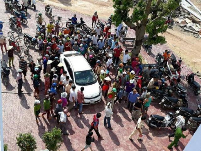 Sự thật vụ 500 người vây ráp hai người nghi bắt cóc trẻ em