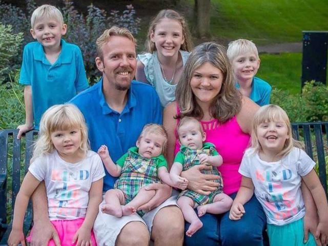 Trúng thưởng làm IVF miễn phí, bà mẹ sinh liền 7 con chỉ với 1 lần chọc trứng