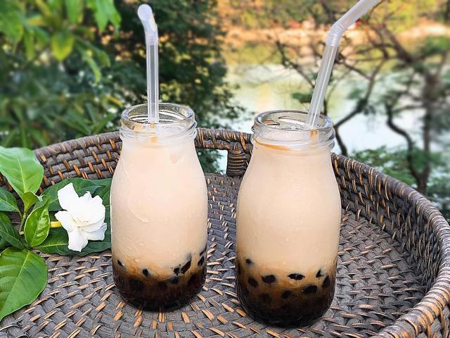 Cứ tưởng khó, nhưng hóa ra cách làm sữa tươi trân châu đường đen siêu hot hè này rất dễ