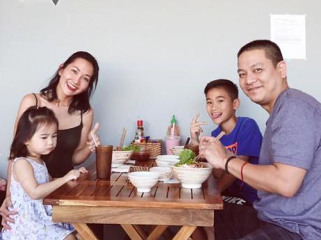 """Con trai thẳng thắn """"không chấp nhận ba mới"""", đây là cách xử trí của Kim Hiền"""