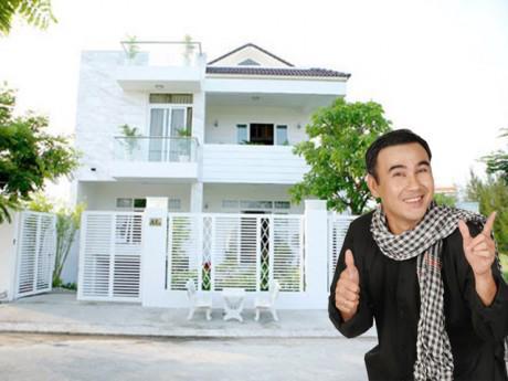 """Bình dị, chân đất, ai ngờ MC Quyền Linh sở hữu biệt thự """"khủng"""" triệu đô"""