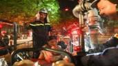 Cháy chung cư Vinaconex 3: Xe thang giải cứu người mắc kẹt trong đêm