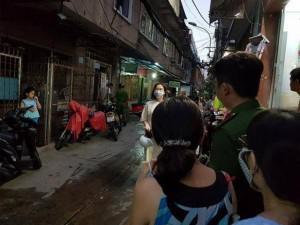 Cháy chung cư cũ ở Sài Gòn, mẹ già và con trai tai biến may mắn thoát chết