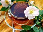 6 loại trà thảo mộc giải nhiệt ngày hè giúp mẹ bầu không lo thiếu ối