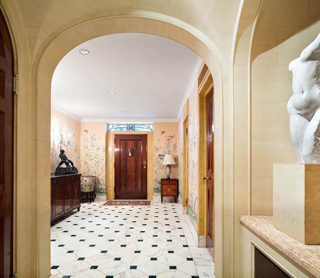 Kì lạ căn nhà đẹp như lâu đài nhưng giảm giá tới 7 lần mà không ai thèm mua