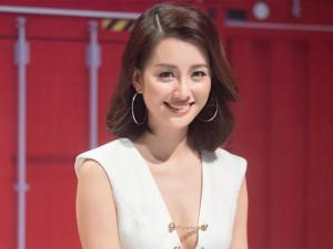 Hé lộ những món đồ làm đẹp trong túi xách của MC Đặng Quỳnh Chi đài VTV