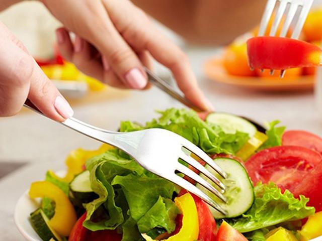 Những món ăn quen thuộc nhưng chớ dại đụng đũa trong mùa hè