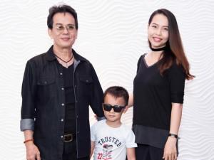 Vợ kém 44 tuổi của nhạc sĩ Đức Huy lộ diện sau sinh bên chồng và con trai