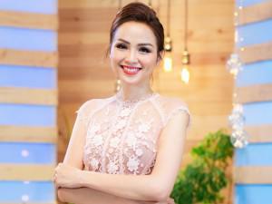 """Hoa hậu Diễm Hương: """"Nếu đi cùng nhau, việc chăm sóc và cho con ăn sẽ thuộc về chồng tôi"""""""