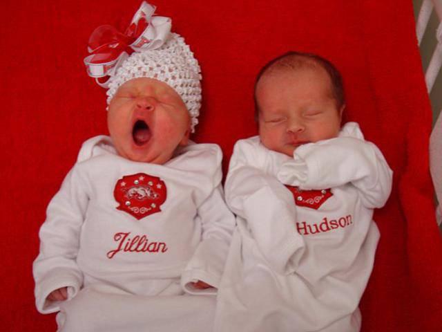 Có thai nhưng vẫn… dính bầu, người mẹ sinh 2 đứa con chỉ trong vòng 2 tuần