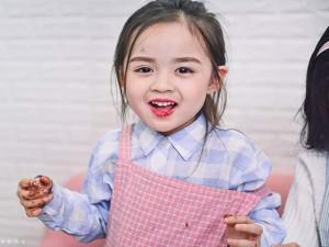 Bé gái 6 tuổi đốn tim dân mạng với hàng nghìn biểu cảm siêu dễ thương