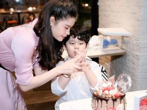 Rạn nứt tình cảm nhưng Tim và Trương Quỳnh Anh vẫn làm điều ý nghĩa trong sinh nhật con trai
