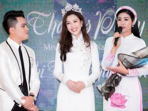 Ngọc Hân đến chúc mừng bạn thân trở thành Hoa hậu cùng dàn sao Việt