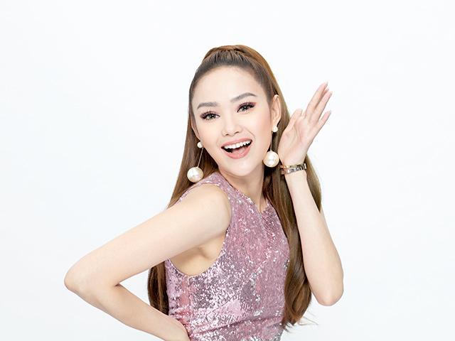 Bị stylist riêng tố keo kiệt, Minh Hằng vẫn xinh đẹp thị phạm catwalk tại The Face
