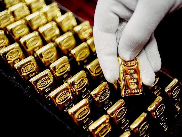 Giá vàng hôm nay 5/6: Đô la Mỹ ngáng đường giá vàng