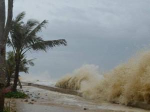 Tin thời tiết 5/6: Áp thấp nhiệt đới sắp mạnh thành bão, Lý Sơn đang có gió giật cấp 6