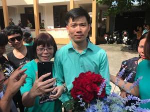 Bác sĩ Hoàng Công Lương nói gì sau khi tòa trả lại hồ sơ để điều tra bổ sung?