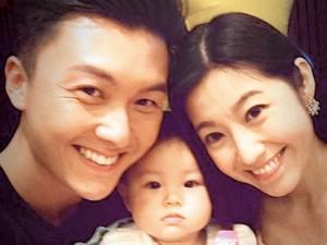 Ngôi sao 24/7: Khổ vì tin đồn chạy theo gái trẻ, tài tử TVB bị vợ đơn phương ly hôn