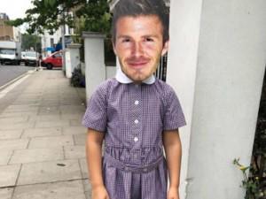 Con gái nhí nhảnh đeo mặt nạ in mặt bố David đi học, Victoria Beckham đã nói thế này