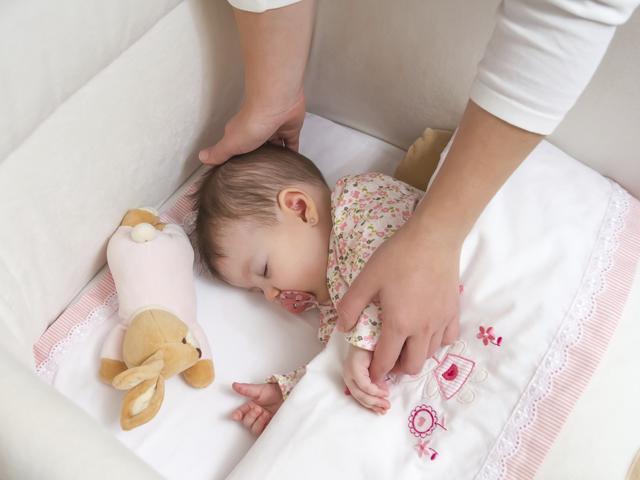 Bị chê vì cho con ngủ riêng từ lọt lòng, 9x đáp trả khiến các mẹ bỉm sữa ngỡ ngàng