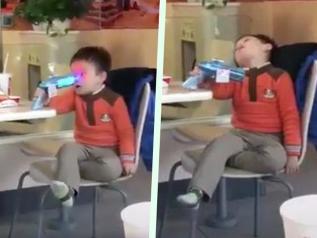 10 giây lên hình, bé trai khiến dân mạng cười bò đặt cho danh hiệu thánh diễn sâu