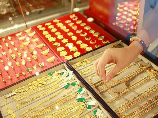 Giá vàng hôm nay 12/6: Vàng tạo sóng mạnh trong ngày lịch sử Mỹ - Triều?