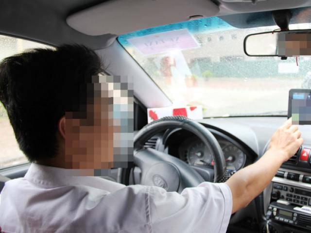 Sốc: Tài xế Grab chửi khách té tát, vu là ăn cướp chỉ vì khách lên xe không chào