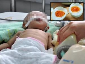 Bé trai nôn ra máu, suýt mất mạng vì ăn lại món ăn nhiều người vẫn hay để qua đêm