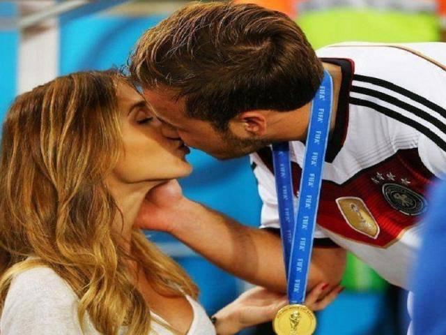 Chuyện ấy của các cầu thủ dịp World Cup: Đức cấm, Brazil lại thả