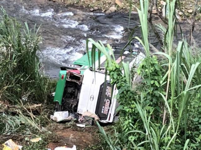 Tai nạn thảm khốc: Xe khách lao vực đèo Lò Xo, 3 người chết, 19 người bị thương
