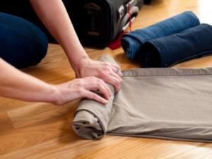 Bí kíp gấp quần áo siêu nhỏ đựng đầy vali cho mùa du lịch