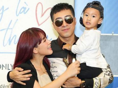 Ca sĩ Only C hạnh phúc đón chào con trai thứ 2 với vợ hot girl