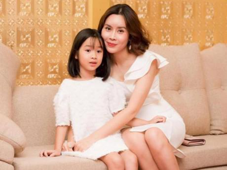 Ngày nào còn bế trên tay, con gái Lưu Hương Giang giờ đã lớn nhanh không nhận ra