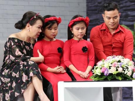 Sao Việt không kìm được nước mắt trước ông bố trẻ điển trai từng bán máu nuôi 2 con thơ