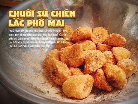 """Ăn ngay chuối sứ chiên lắc phô mai dẻo thơm nóng hổi đang """"gây bão"""" Sài Gòn mùa mưa"""