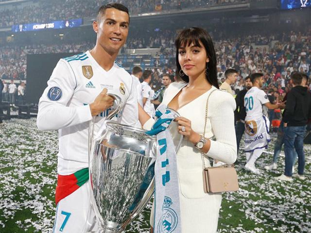 Ronaldo đã là cực phẩm nhưng nhan sắc cô bạn gái của anh cũng chẳng tầm thường
