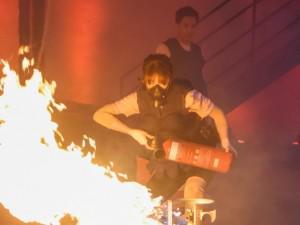 6 sao Việt mang bụng bầu lăn lê, tìm cách thoát hiểm trong tình cảnh cháy chung cư