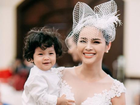 """Á hậu Diễm Châu: """"Là mẹ đơn thân, tôi không thể thay thế cha của con"""""""