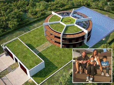 """Không ngờ Lionel Messi đang sở hữu căn nhà """"khủng"""" 1200m² có hình y hệt sân bóng"""